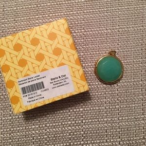 Stella & Dot Sentiment Stone Locket in Green